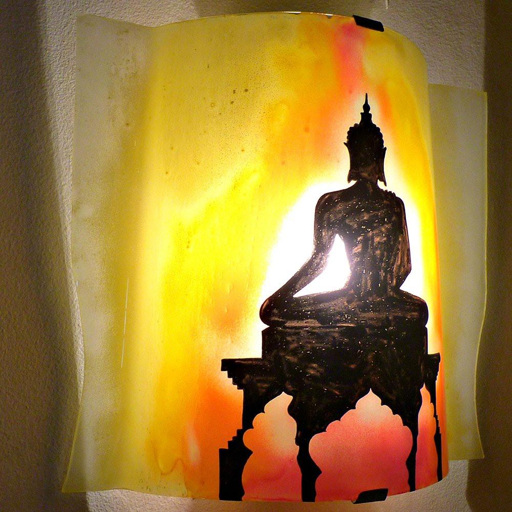 Luminaire applique murale artisanale jaune orange rouge motif statue de bouddha 3