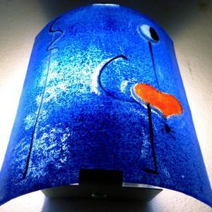 Luminaire applique murale demi cylindre bleu cobalt motif la danseuse de miro 5