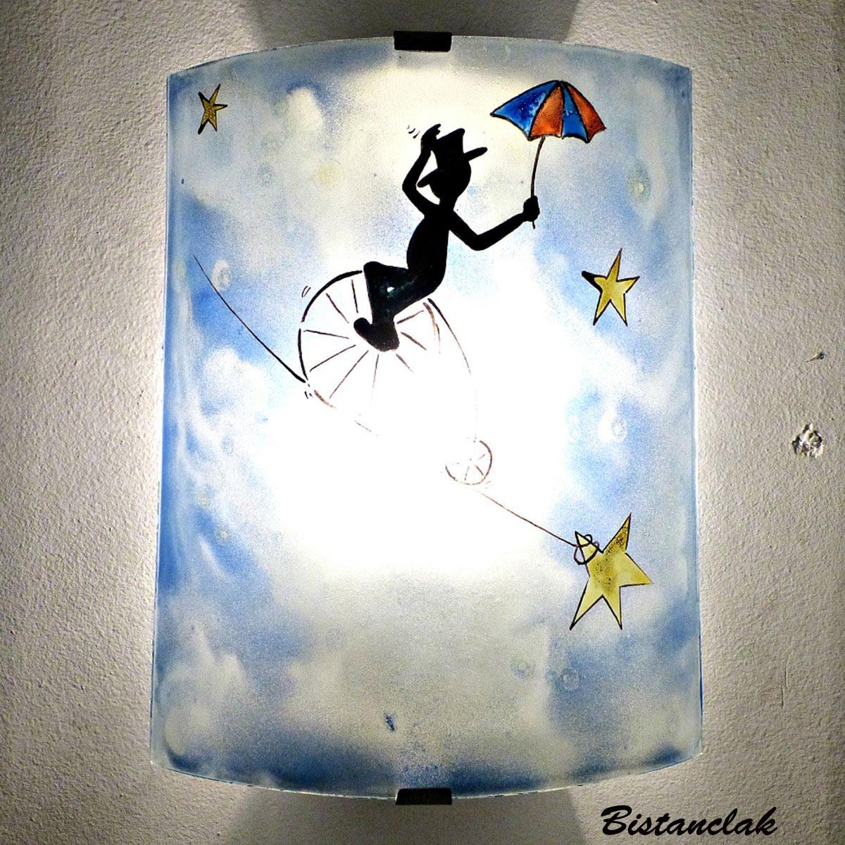 Luminaire applique murale demi cylindre fantaisie bleu motif le funambule 4