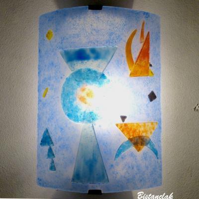 Applique murale bleu et orange au design géométrique inspiré de Kandinsky