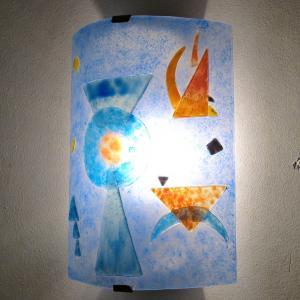 Luminaire applique murale design geometrique bleu et orange inspiration kandisnky 9