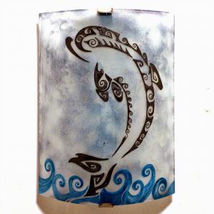 Luminaire applique murale gris bleute motif dauphin stylise 5