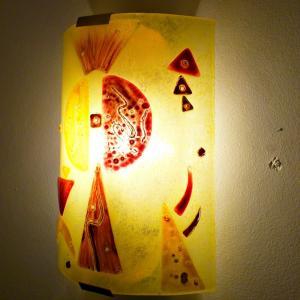 Luminaire applique murale jaune et rouge fonce design geometrique inspiration kandinsky 6