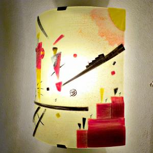 Luminaire applique murale jaune et rouge inspiration kandinsky structure joyeuse 9