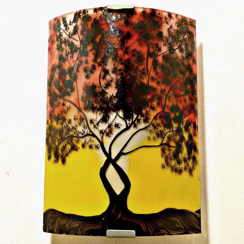 Luminaire applique murale motif arbre de jane jaune et rouge 4