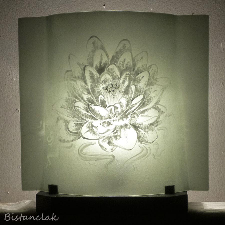 Luminaire artisanal en verre taupe motif lotus blanc