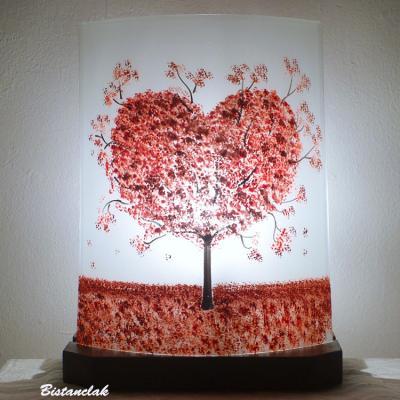 lampe rouge et blanche motif arbre en coeur