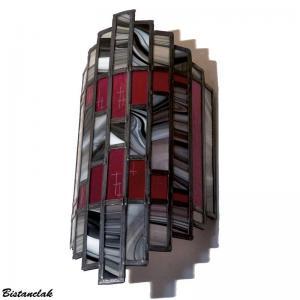 Luminaire mural vitrail rouge et gris