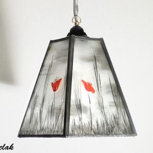 Lustre suspension forme trapeze noir et blanc motif coquelicots rouge 1