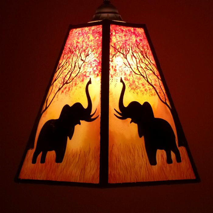 Lustre trapeze arbre et elephant 4