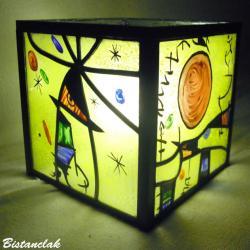lampe vitrail cube multicolore inspiration Miro