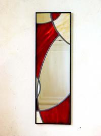 Miroir vitrail rouge et beige design courbe