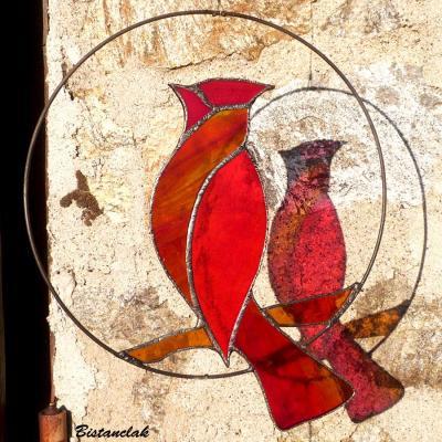 Oiseau vitrail rouge