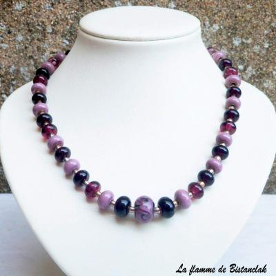 Collier de perles de verre violet, prune, glycine et acier Collection Fleur en spirale