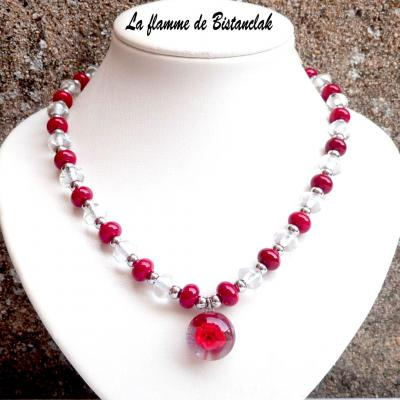 Collier perles de verre rouge, incolore et acier & Cabochon fleur rouge