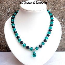 Collier de perles de verre bleu canard et goutte centrale