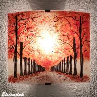 Applique motif chemin d'arbres rouge vendue en ligne sur notre site, une fabrication artisanale française