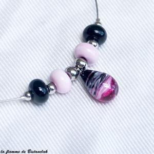 collier artisanal goutte de verre filé et perles rondes rose et noir