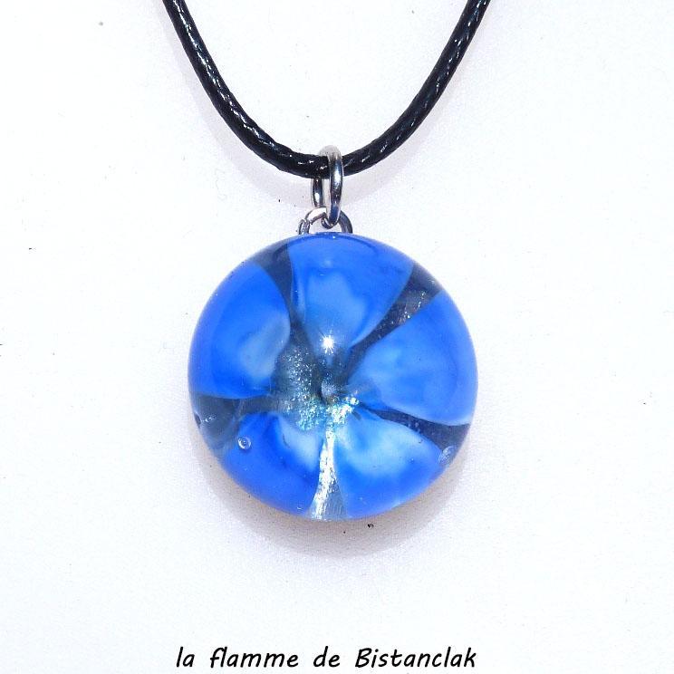 Pendentif en verre de murano fleur bleu creation artisanale