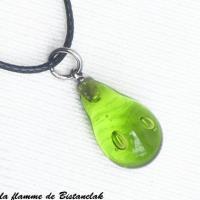 Pendentif goutte de verre file vert pomme transparent