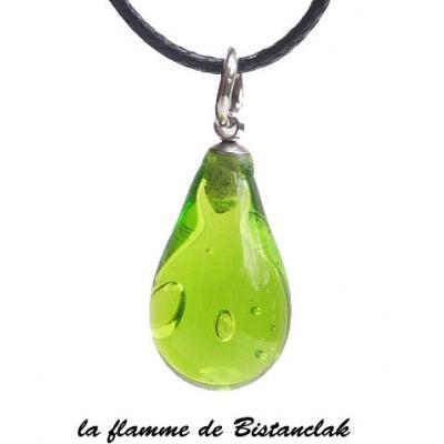 Collier pendentif goutte de verre vert pomme transparent
