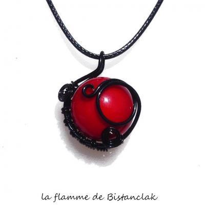 pendentif tressé cabochon verre filé rouge