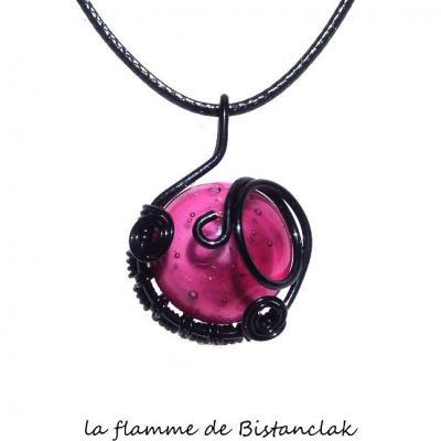 pendentif cabochon verre filé rose tressé noir