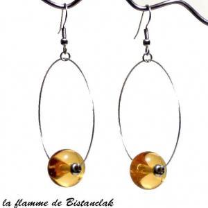 Perle de verre ambre transparent sur boucle creole