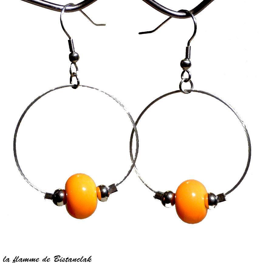 Perle de verre jaune orange sur boucles creoles vendues en ligne