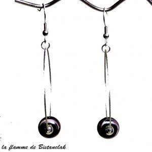 Perle de verre noir chamarre rose et blanc sur boucles creoles vendues en ligne