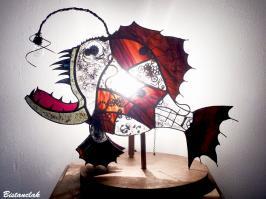 Poisson steampunk lumineux en vitrail