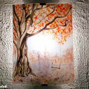 Vente en ligne de l applique demi cylindre au dessin bucolique d une balancoire sous un arbre au feuillage rouge et mauve une creation artisanale par bistanclak