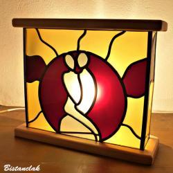 Tableau vitrail lumineux couple enlacé